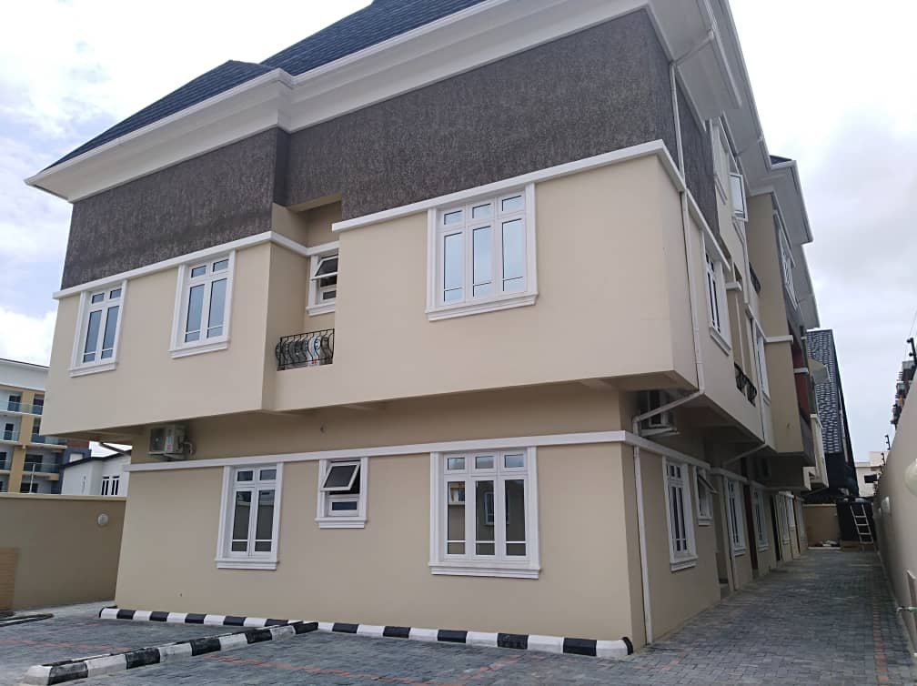 State of the Art 6 Bedrooom Apartment for Rent In Lekki